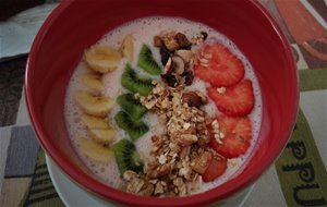 Smoothie Bowl De Fresas Y Yogur