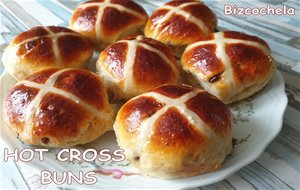 Hot Cross Buns: Bollos De Pascua Ingleses