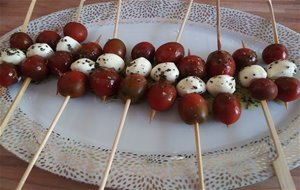 Pinchitos Caprese